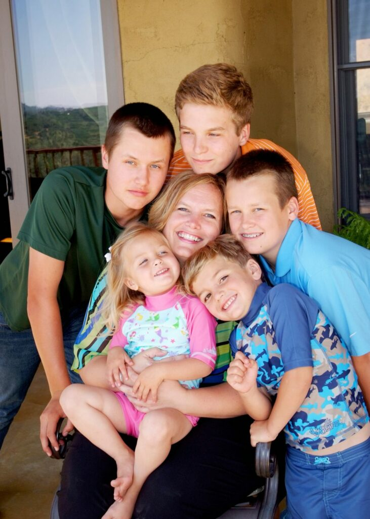 UV Skinz Founder and CEO Rhonda Sparks and her children