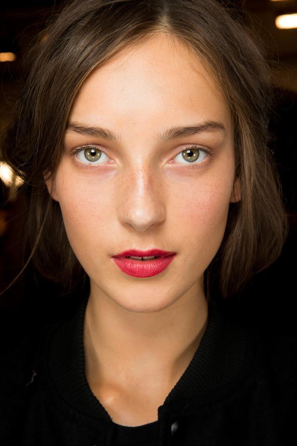 Bold lips at Burberry Prorsum. Image: Indigitalimages.com