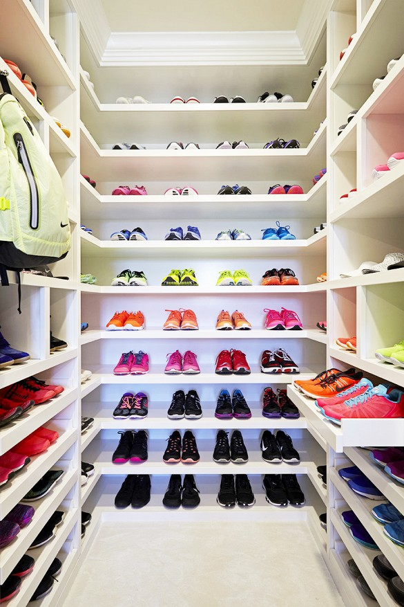 Check Out Khlo 233 Kardashian S Amazing Fitness Closet Style Files