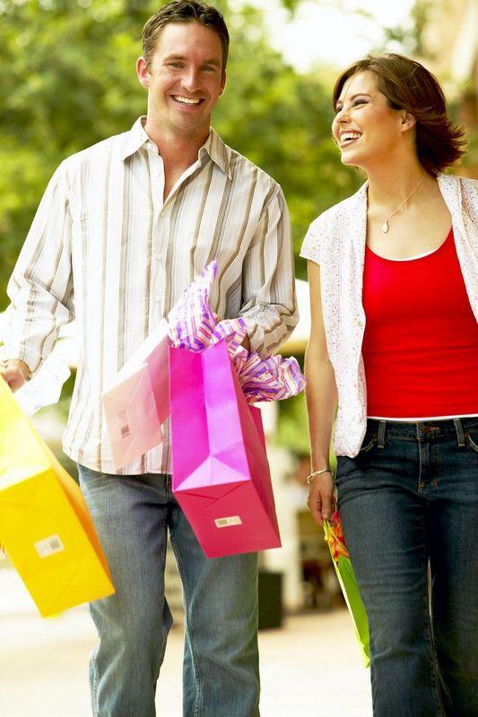couple-shopping