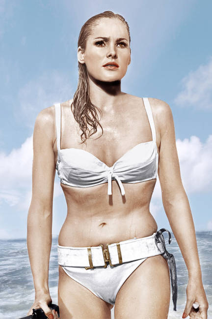 elle-08-swimsuits-in-film-dr-no