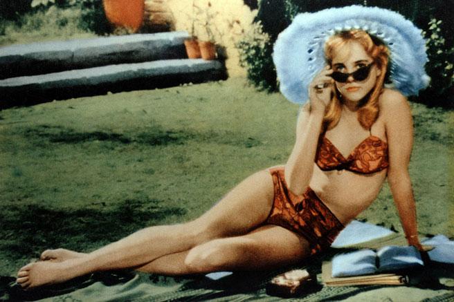 elle-swimsuits-in-film-lolita