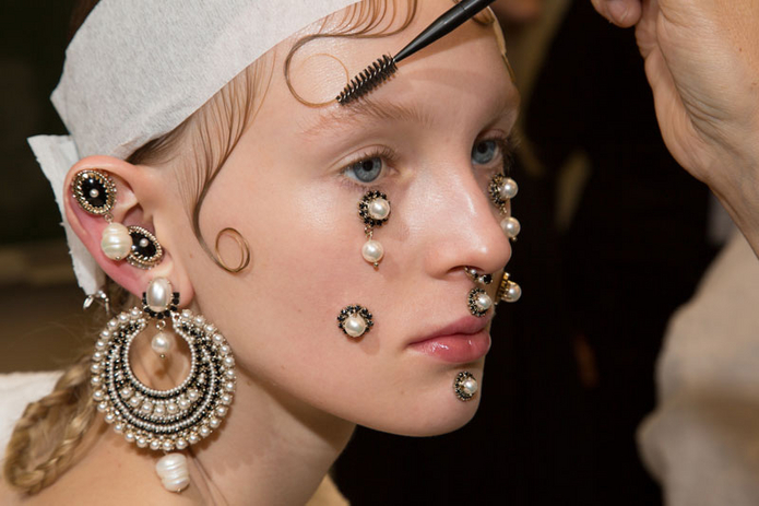 Trend: Face Jewelry at Givenchy
