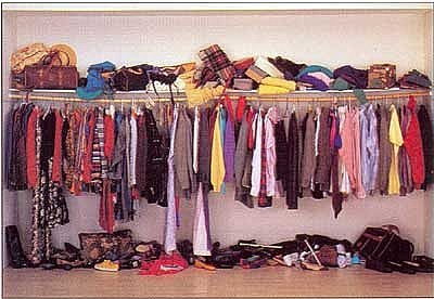 7 Easy Steps to Cleaning your Closet!