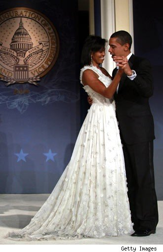 michelle-obamas-ball-gown-side-view-330kk