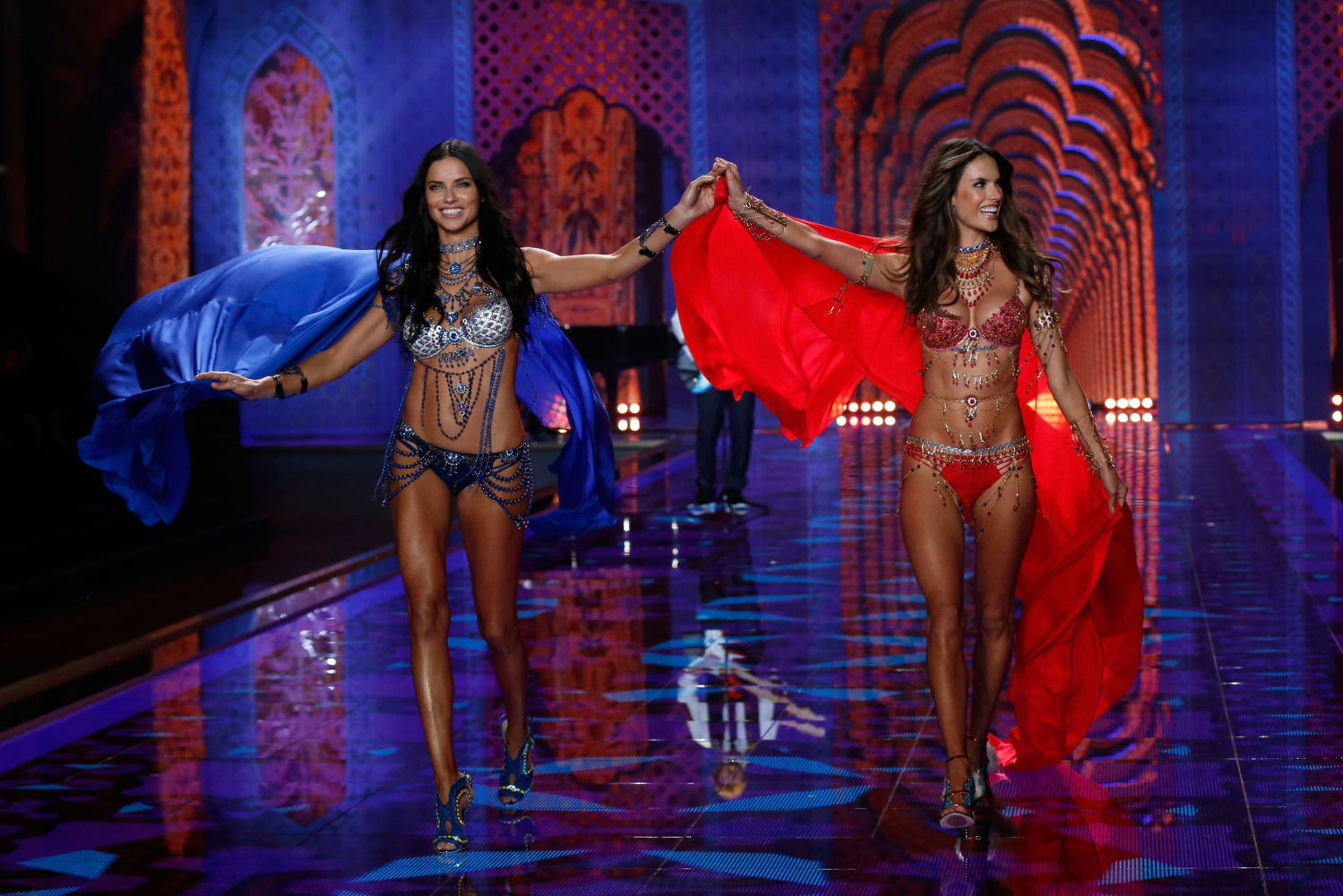 See The Best Looks From The 2014 Victoria S Secret Fashion Show Style Files