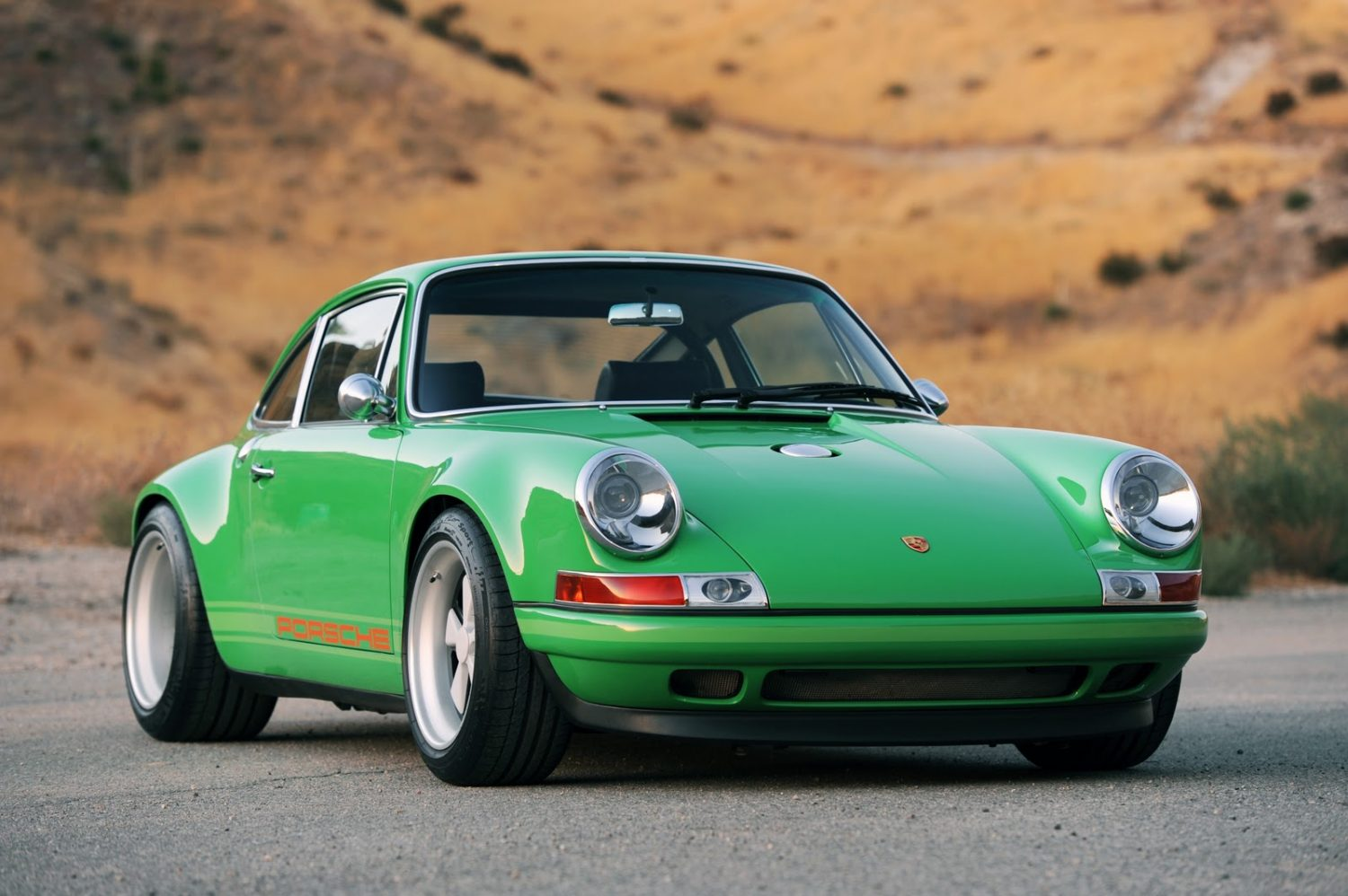 2011 singer porsche 911 is a hot rod with class. Black Bedroom Furniture Sets. Home Design Ideas