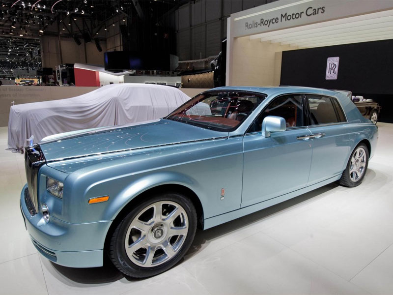 Rolls Royce Introduces 1.6 Million Dollar Ultra Luxury Full Electric Car
