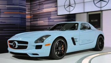Mercedes Launches Ultra-Luxury Sport SLS in Gulf Racing Colors