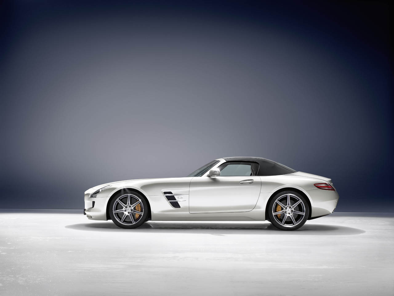 Mercedes Benz Releases 2012 SLS AMG Roadster