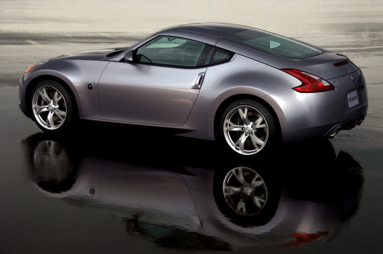 2011 Nissan 370Z Offers Super Sports Experience at $31k