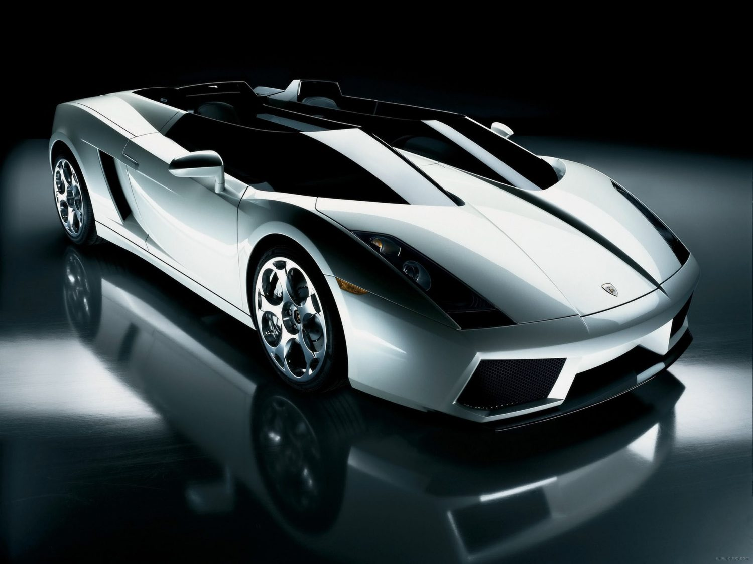 Lamborghini Super Car Resembles Futuristic Jet Fighter