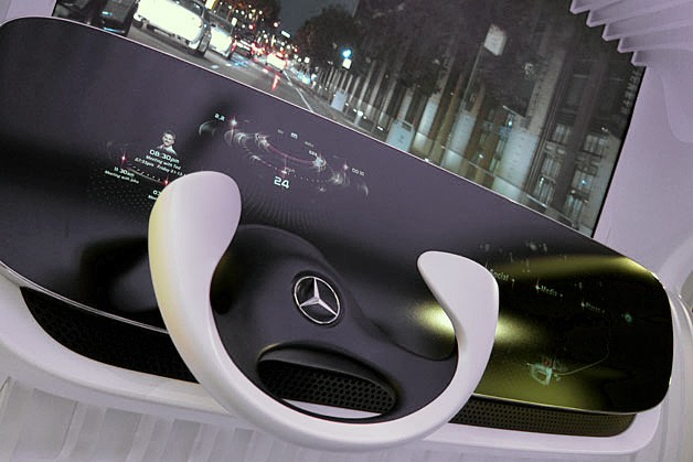 Mercedes Debuts Augmented Reality Display