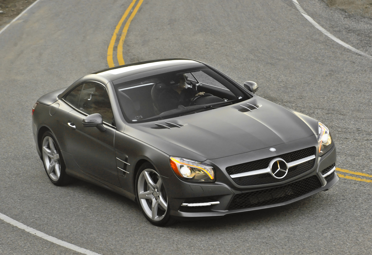 2013 Mercedes-Benz SL is Lightweight, Athletic, Luxurious