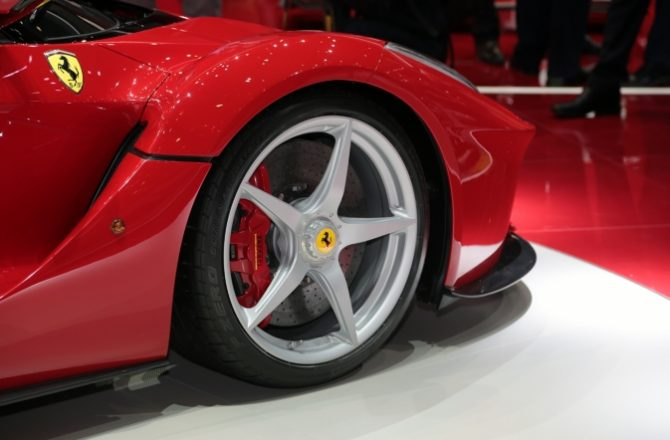 Hybrid Supercars Debut in Geneva