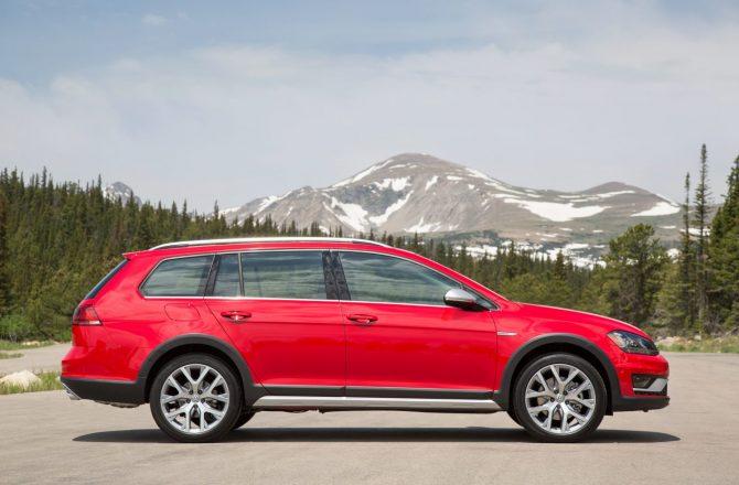 Stick Shift: 2017 Volkswagen Golf TSI Alltrack