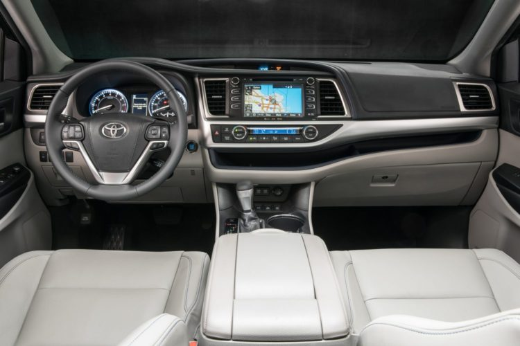 Toyota Highlander Towing Capacity >> Stick Shift: 2019 Toyota Highlander Hybrid