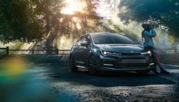 Stick Shift: 2020 Toyota Corolla XSE vs Hybrid