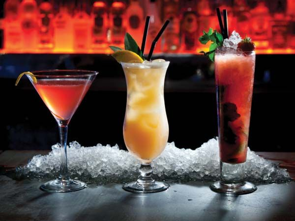 Top 10 things to do this week in phoenix nightlife for Top bar drink recipes