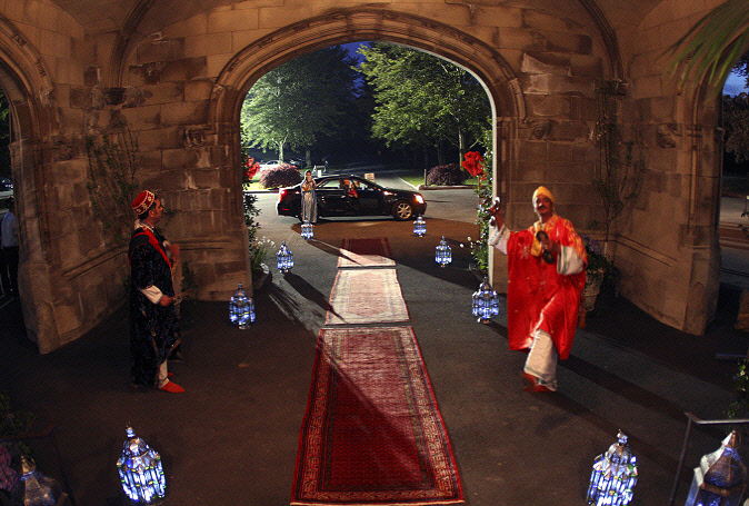 2-new-Moroccan-Red-Carpet-Entrance-with-lanterns(best)-1