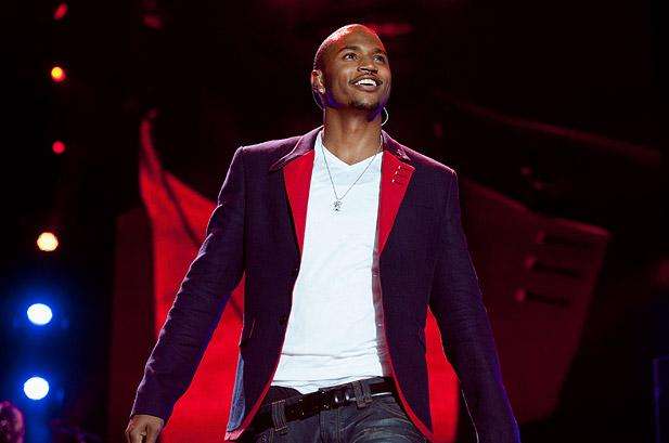 2354749-essence-music-festival-2012-Trey-Songz-617-409