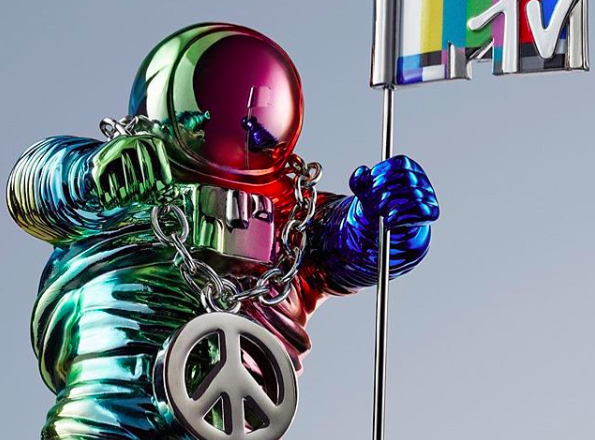 The Moonman Gets a Makeover for the 2015 VMA's