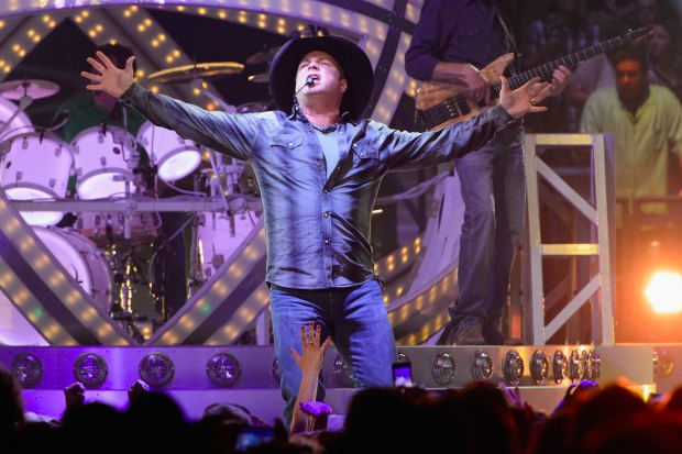Garth Brooks is Breaking Records