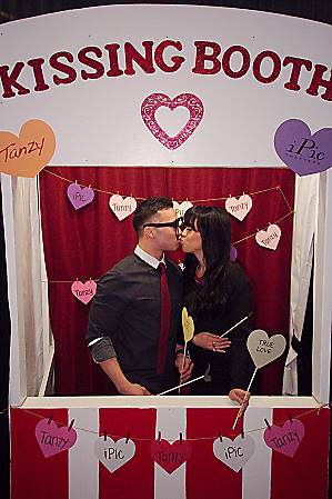 Gallery Valentine S Day Kissing Booth At Ipic Theaters