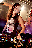 DJ Miss Nine from Germany Plays Smashboxx