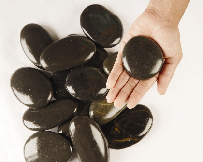 Hot-Stones-for-Massage-Stress-Reduction