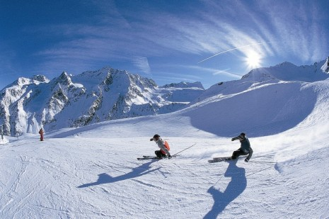 Ski-Resorts-in-Switzerland-465x309