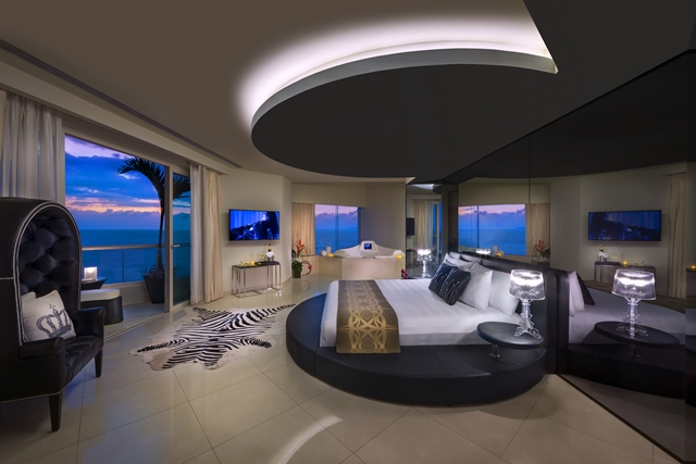 HRH_Vallarta_Rock_Star_Suite_Bedroom.jpg
