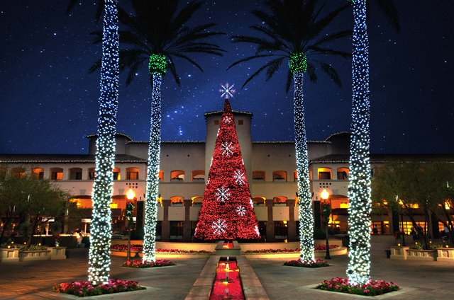 fairmont Red Tree w Snowflakes Princess Plaza