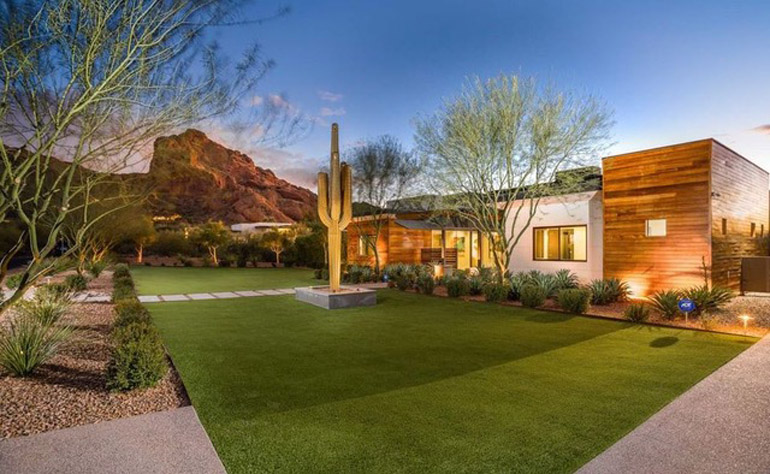 Paradise Valley,  A modern sanctuary at the foot of Camelback Mountain offering custom architecture exudes quiet sophistication, $5,000,000, AZArchitecture Jarson & Jarson.jpg