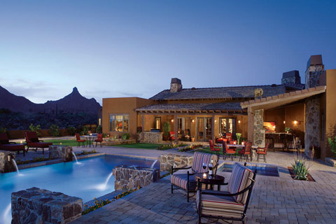 Scottsdale_cul_de_sac_lot_with_city_light_and_mountain_views_at_Ladera_Vista_2100000.jpg