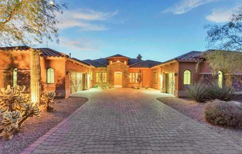 Scottsdale_gate_guard_with_separate_guest_house__at_Windgate_Ranch_1300000.jpg