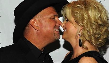 Az insider celeb couple slip into phx for wedding for Garth brooks and trisha yearwood married
