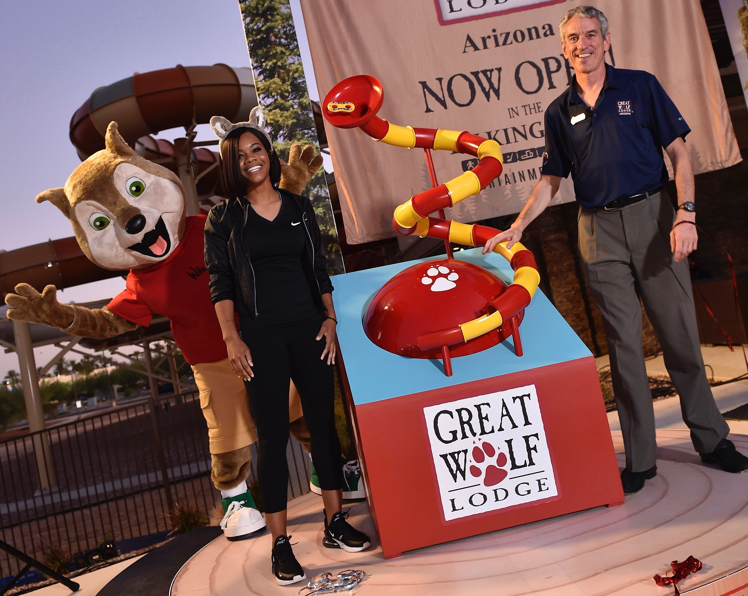 great-wolf-resorts-arizona-Gabby-Douglas-Murray-Hennesy-Shocket