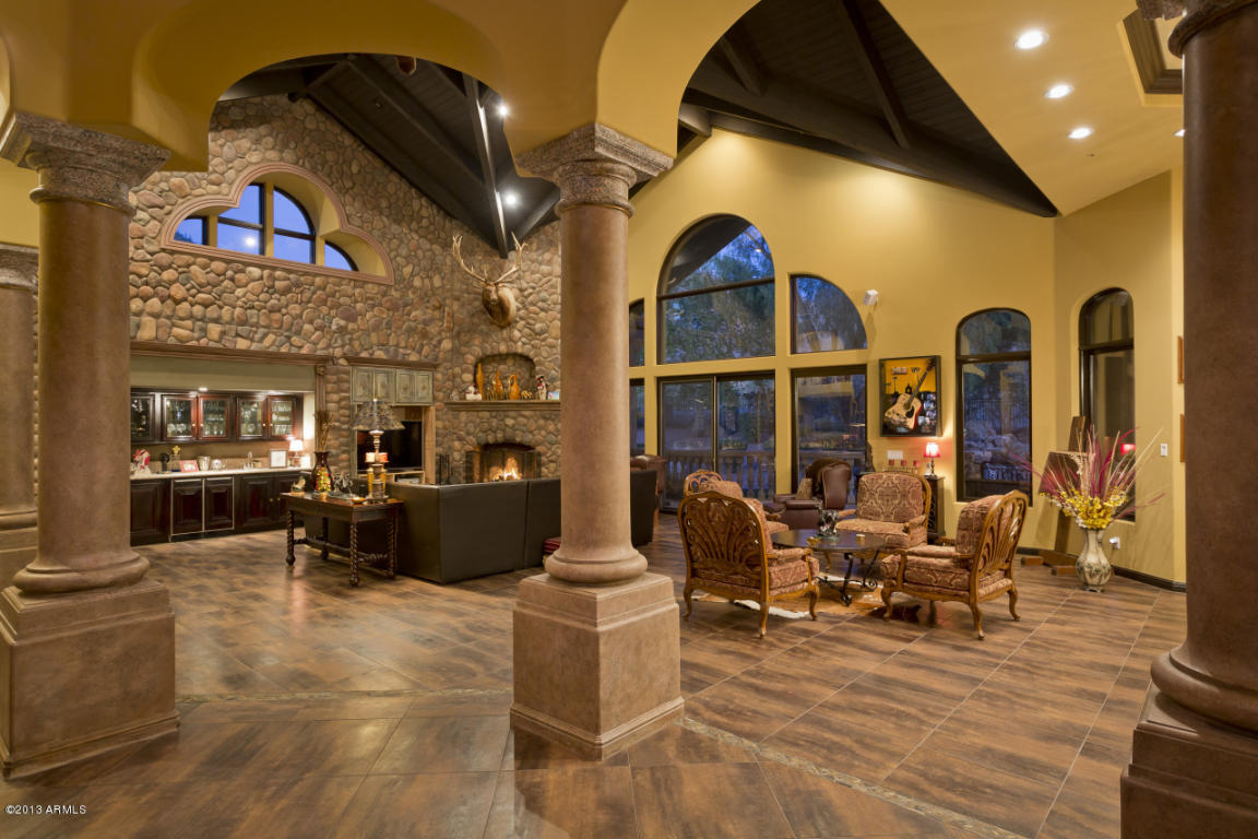 Living Room: AZ Insider: Inside Football Star's $2 Million Scottsdale Home