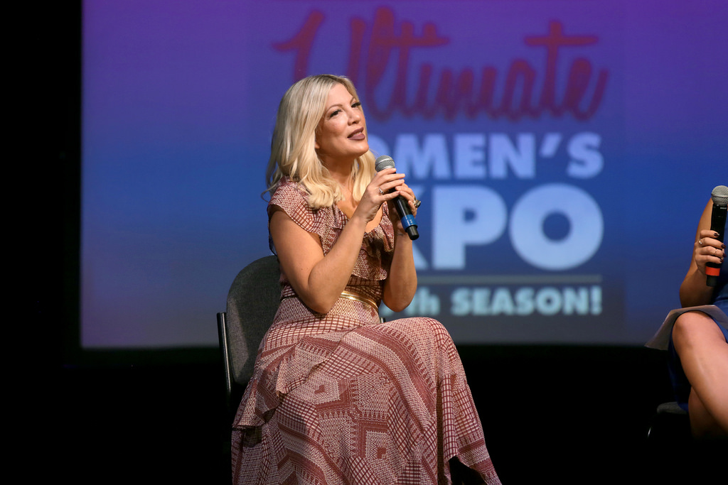 tori spelling on stage2