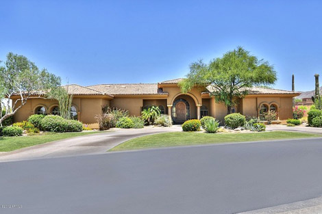 Scottsdale - Gated Community on Acreage in Los Diamantes - 975000