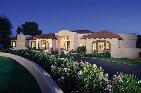 Paradise Valley - Acreage in Camelback Country Estates - 1200000