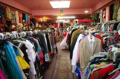 Clothing store that trades and buys, located throughout heavy urban areas. Tucson