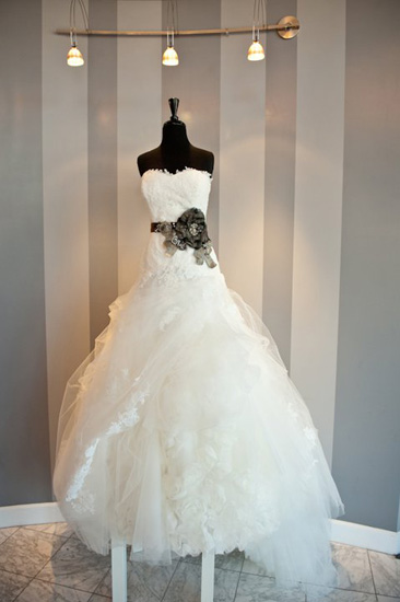 wedding-dress-trends-belts-13