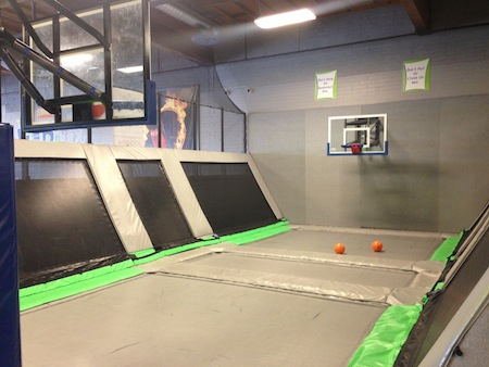 Flip Dunk Basketball Court