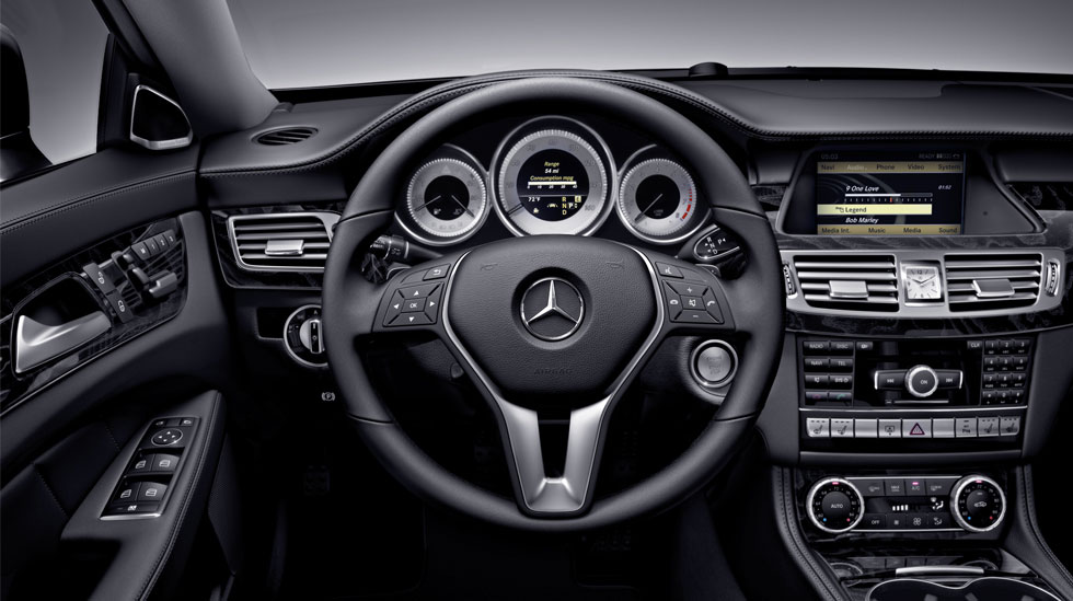 seduce the streets in a 2012 mercedesbenz cls550