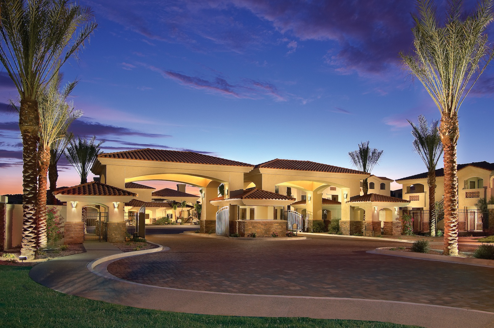 Phoenix Tile Luxury Apartment of the Month in Phoenix: San Hacienda