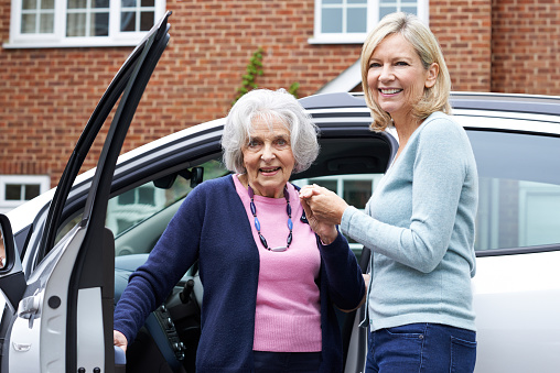 4 Tips For Helping Senior Citizens Stay Safe