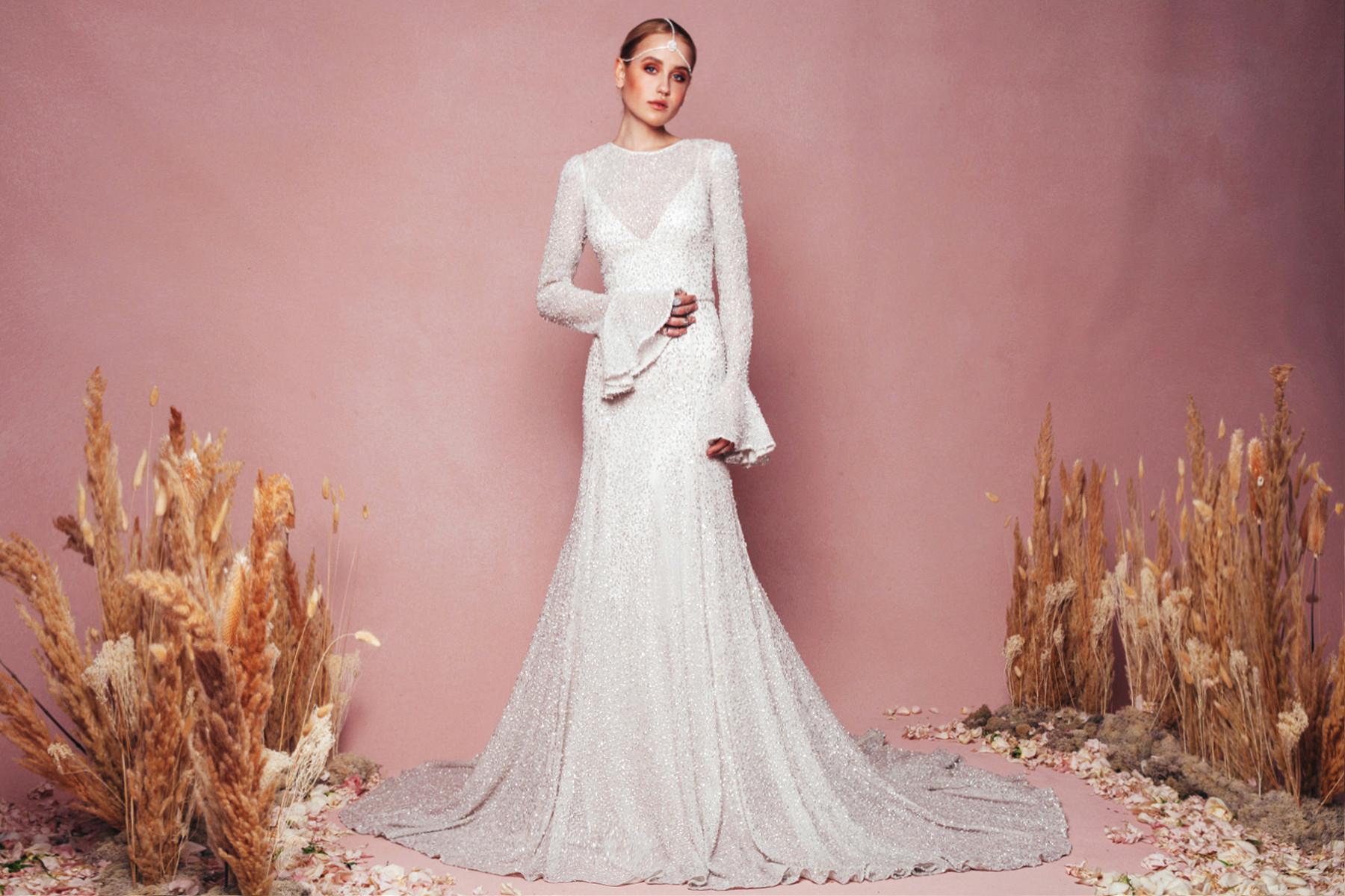 Lust-Worthy Long-Sleeved Wedding Dresses