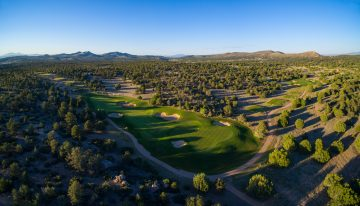 Cooper Hawk Ridge Boasts Design Freedom for Mountain Retreats